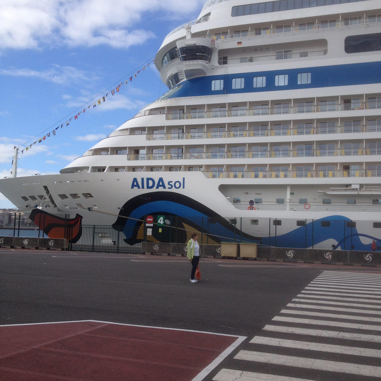 Bei unserer 1. Kreuzfahrt :Die AIDAsol im Hafen von Las Palmas de Gran Canaria.