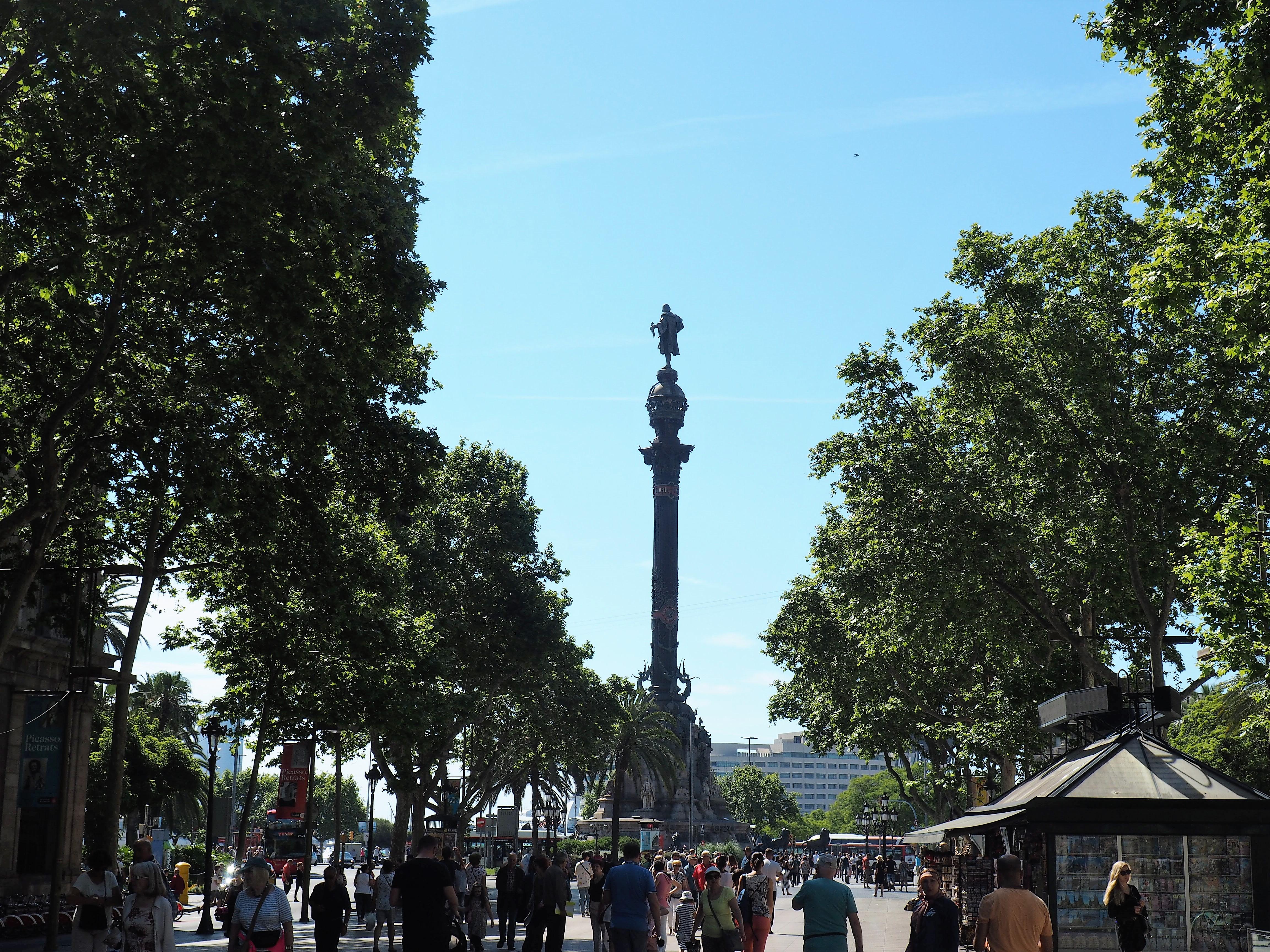 Kolumbussäule am Ende der Las Ramblas in Barcelona