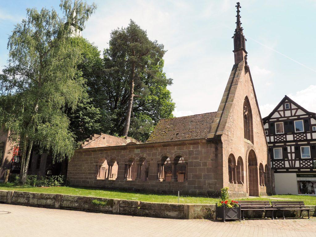 """""""Paradies"""", die Vorhalle der Klosterkirche in Bad Herrenalb www.bestager-reiseblog.de"""