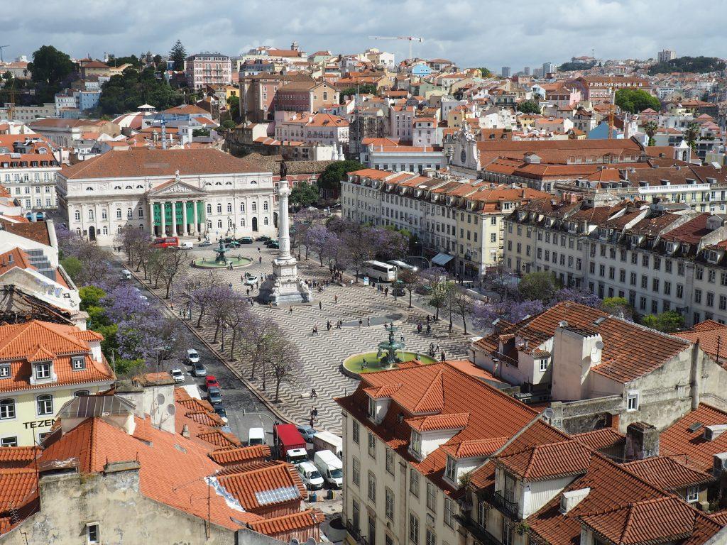 Der Praca de D. Pedro IV. , im Volksmund einfach Rossio genannt, zählt zu den wichtigsten Plätzen im Herzen Lissabons.
