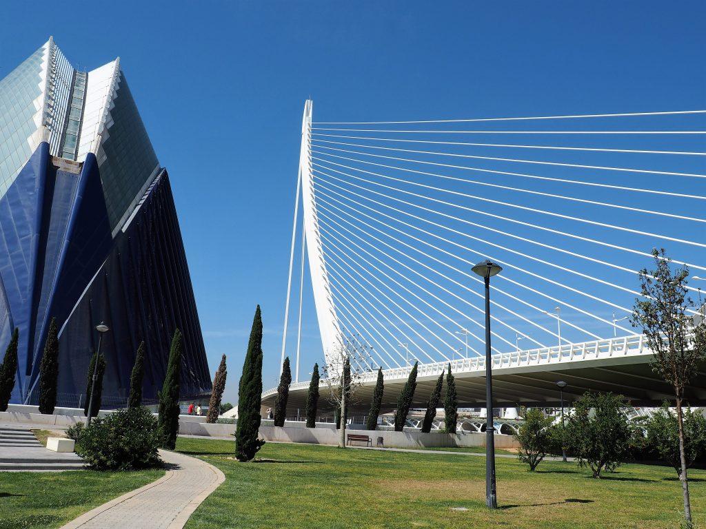 Die Brücke Assud D´Or in der Stadt der Künste und Wissenschaften, eine der Sehenswürdigkeiten unserer Kreuzfahrt nach Valencia