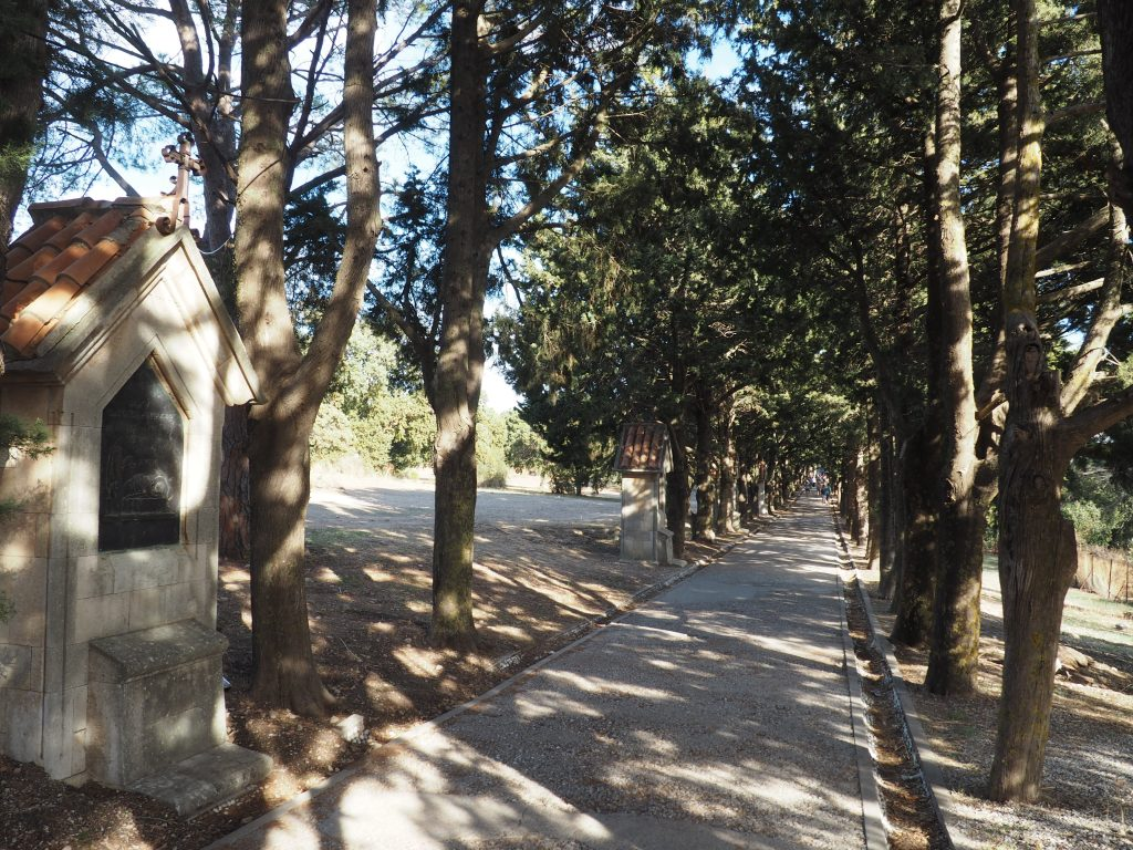 Kreuzweg auf dem Berg Phileriomos auf Rhodos
