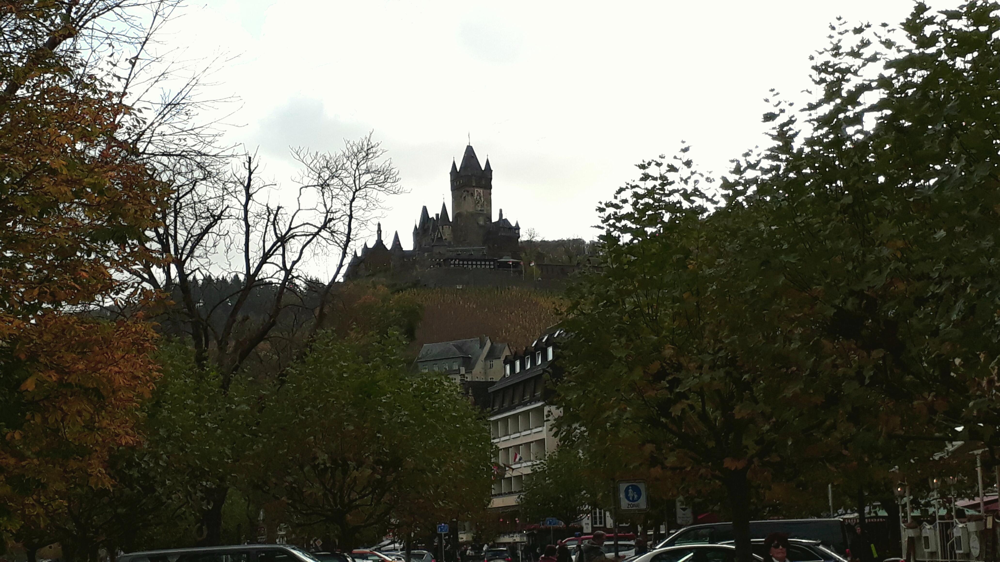 Die weithin sichtbare Reichsburg von Cochem.