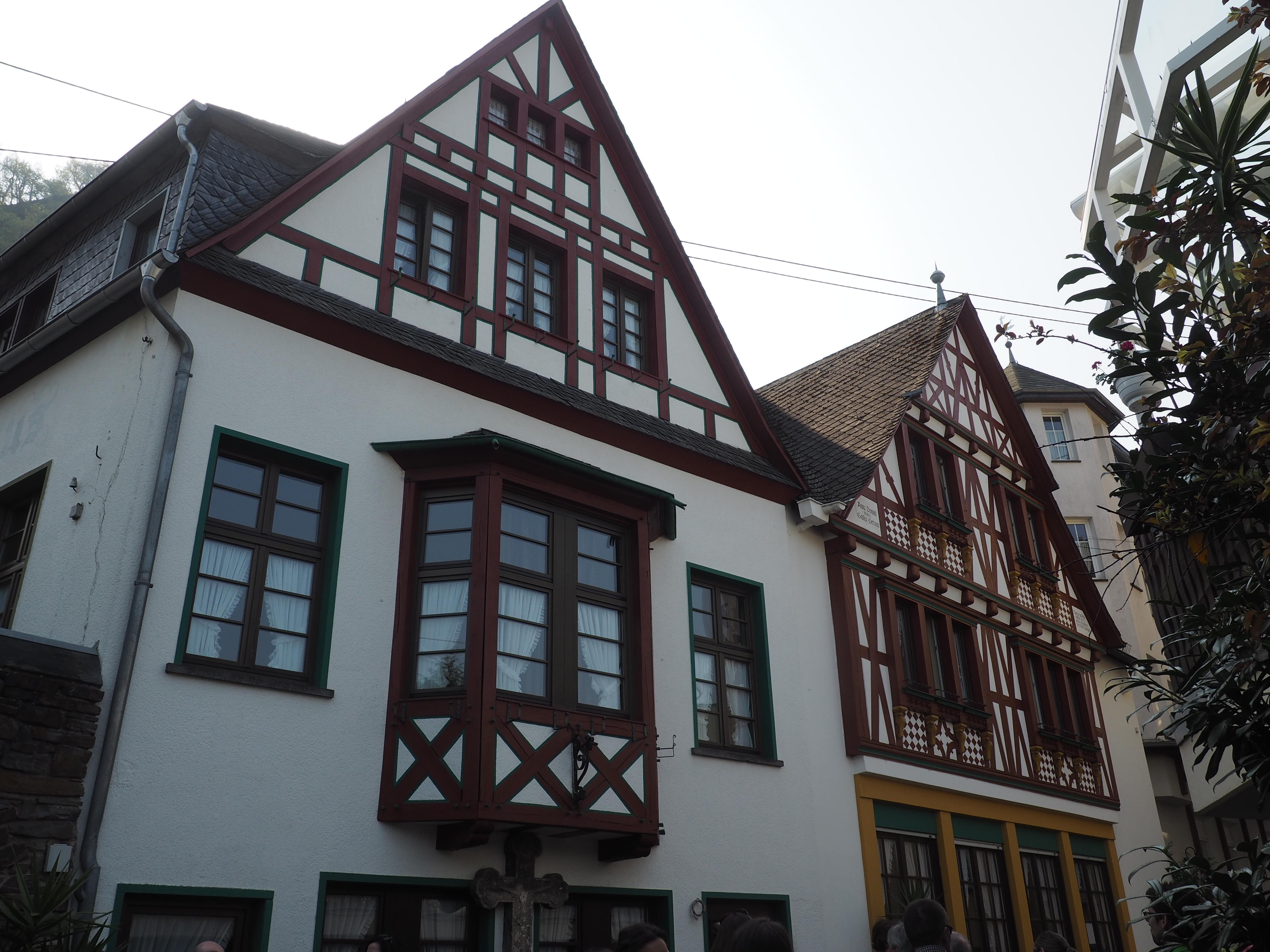 Wunderschöne Fachwerkhäuser, entdeckt bei der Ortsführung in Brodenbach an der Mosel