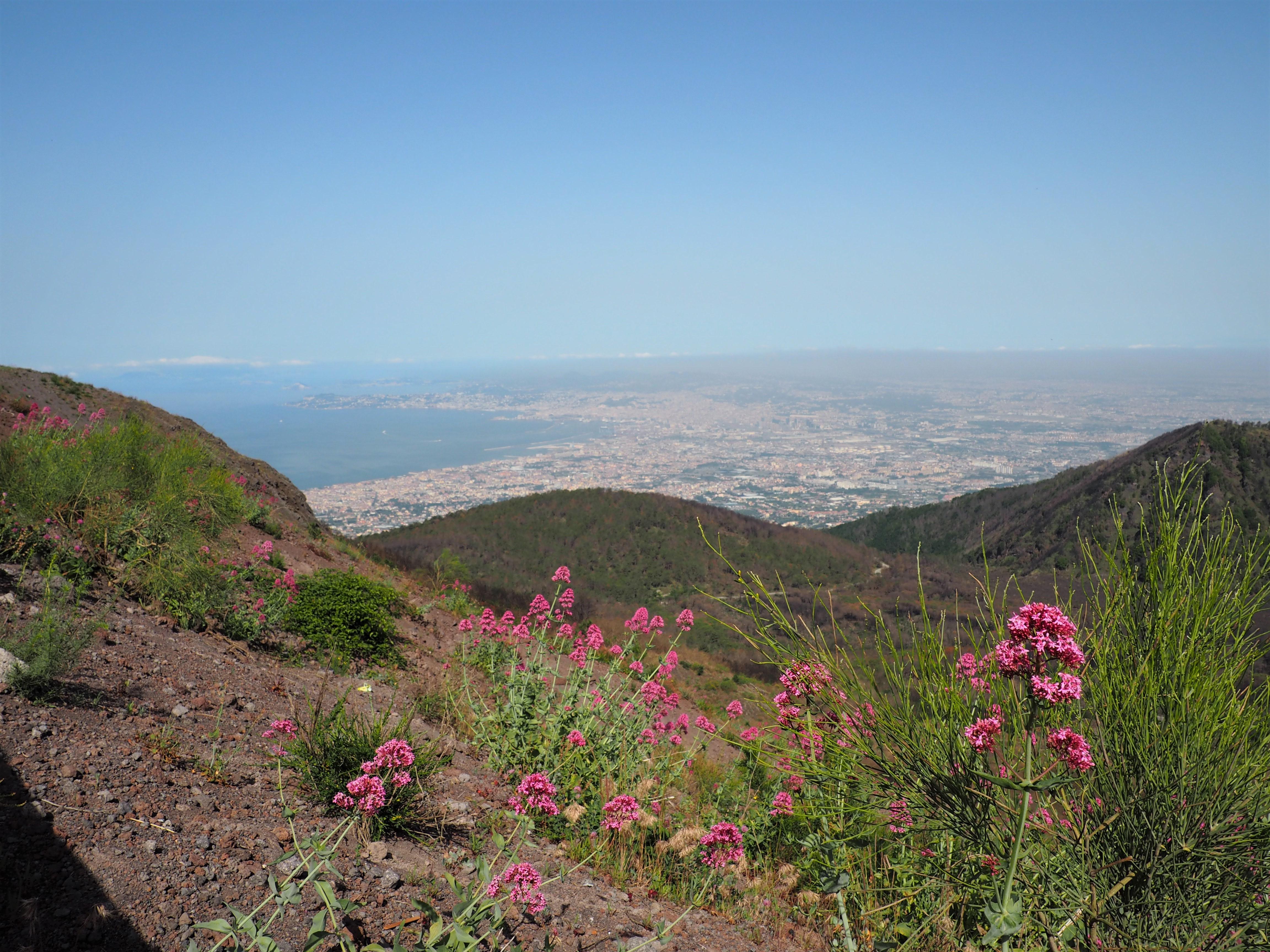 Fantastischer Ausblick vom Vesuv auf den Golf von Neapel