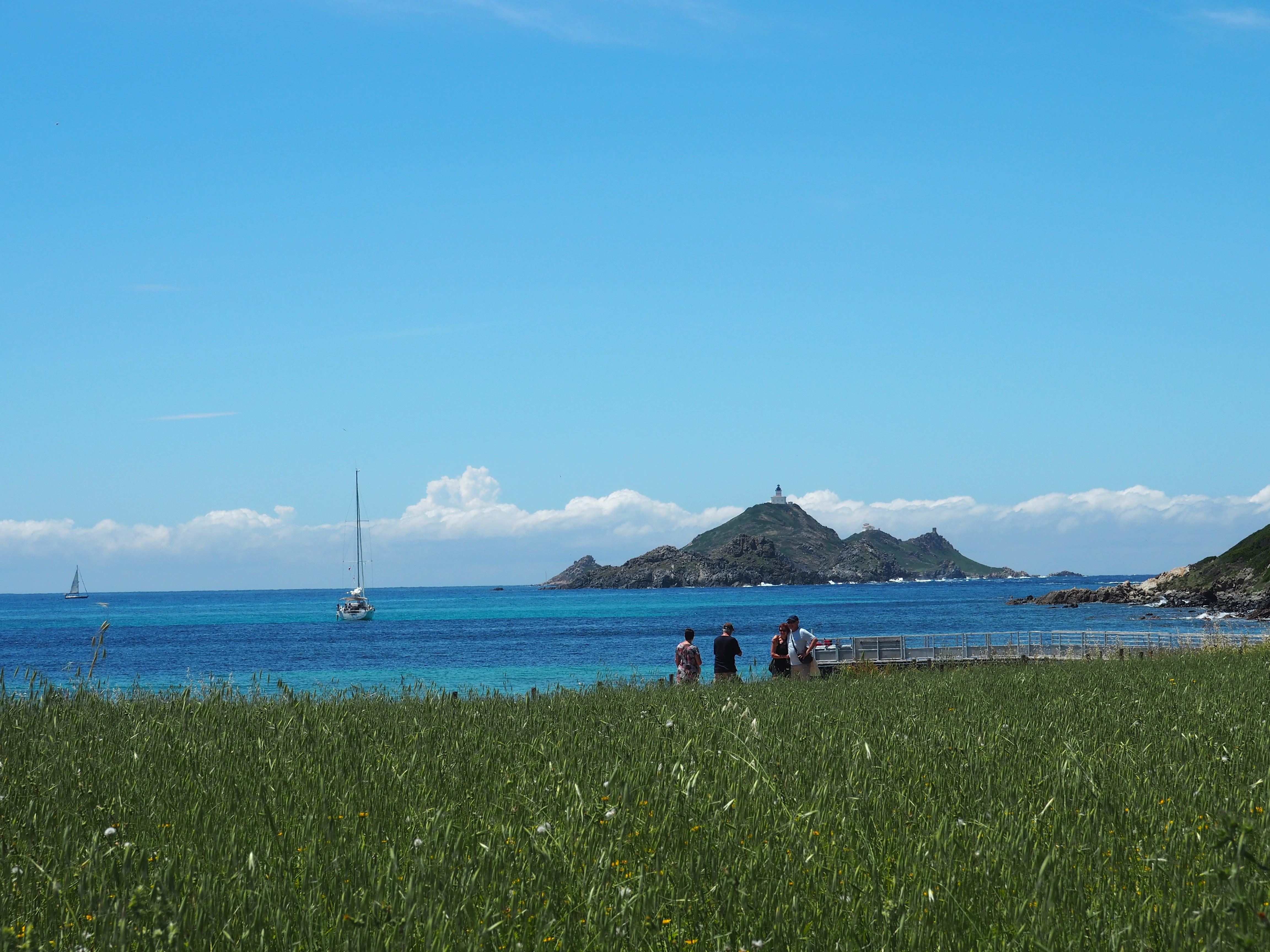 Eine der 4 Inseln der Iles Sanguinaires, der Blutinseln, vor der Küste Korsikas