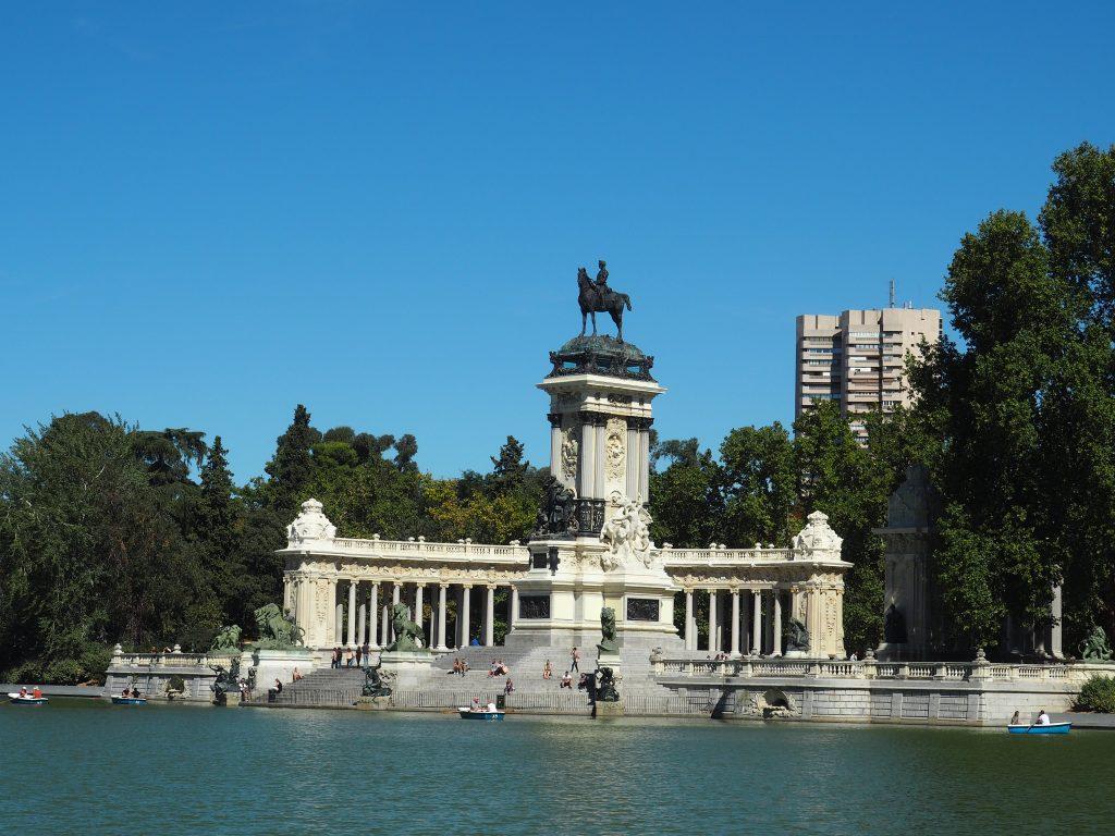Monument für Alfons XII. im Park Retiro in Madrid