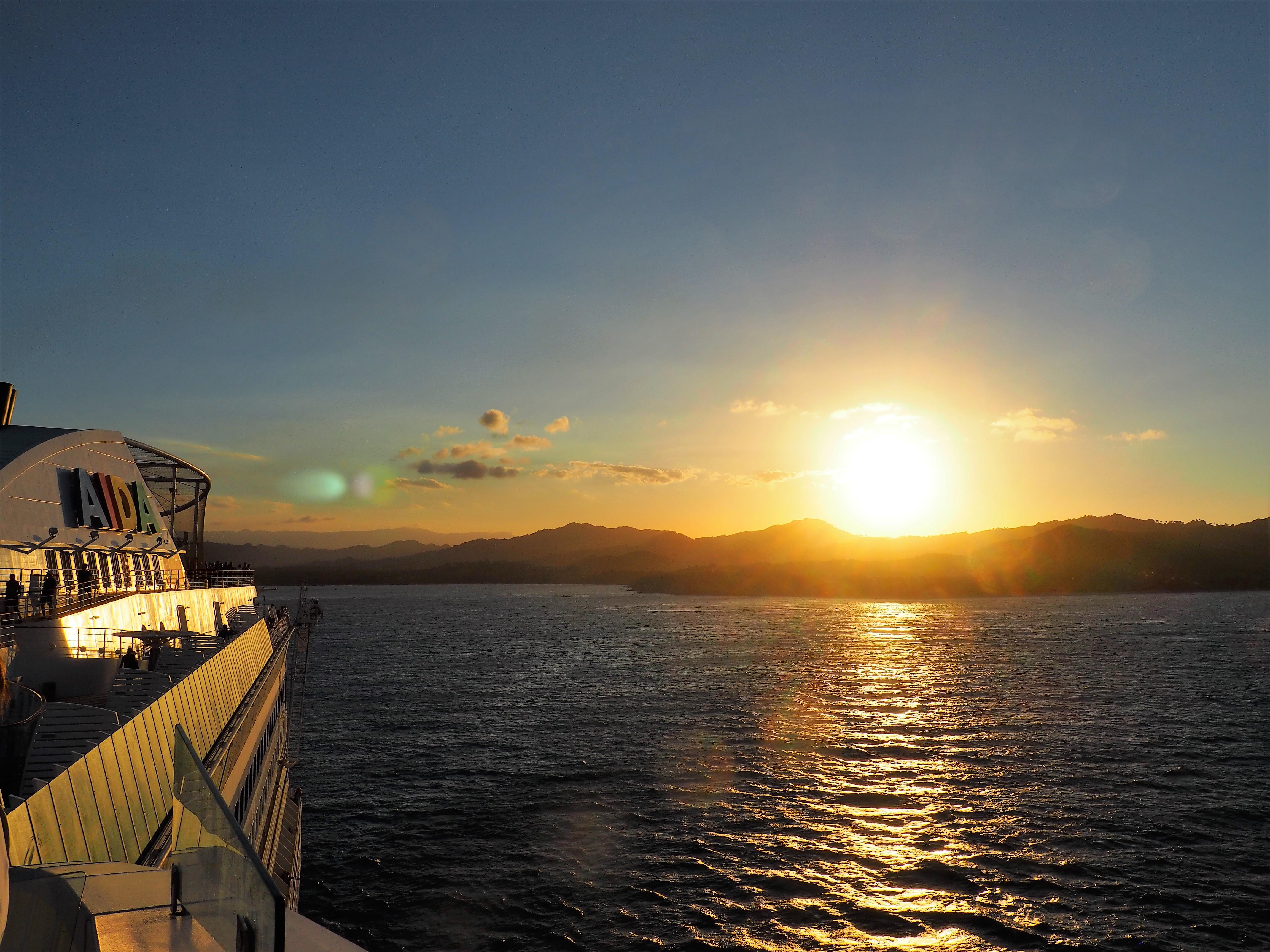 Im Sonnenuntergang auf zu neuen Zielen mit der AIDALuna