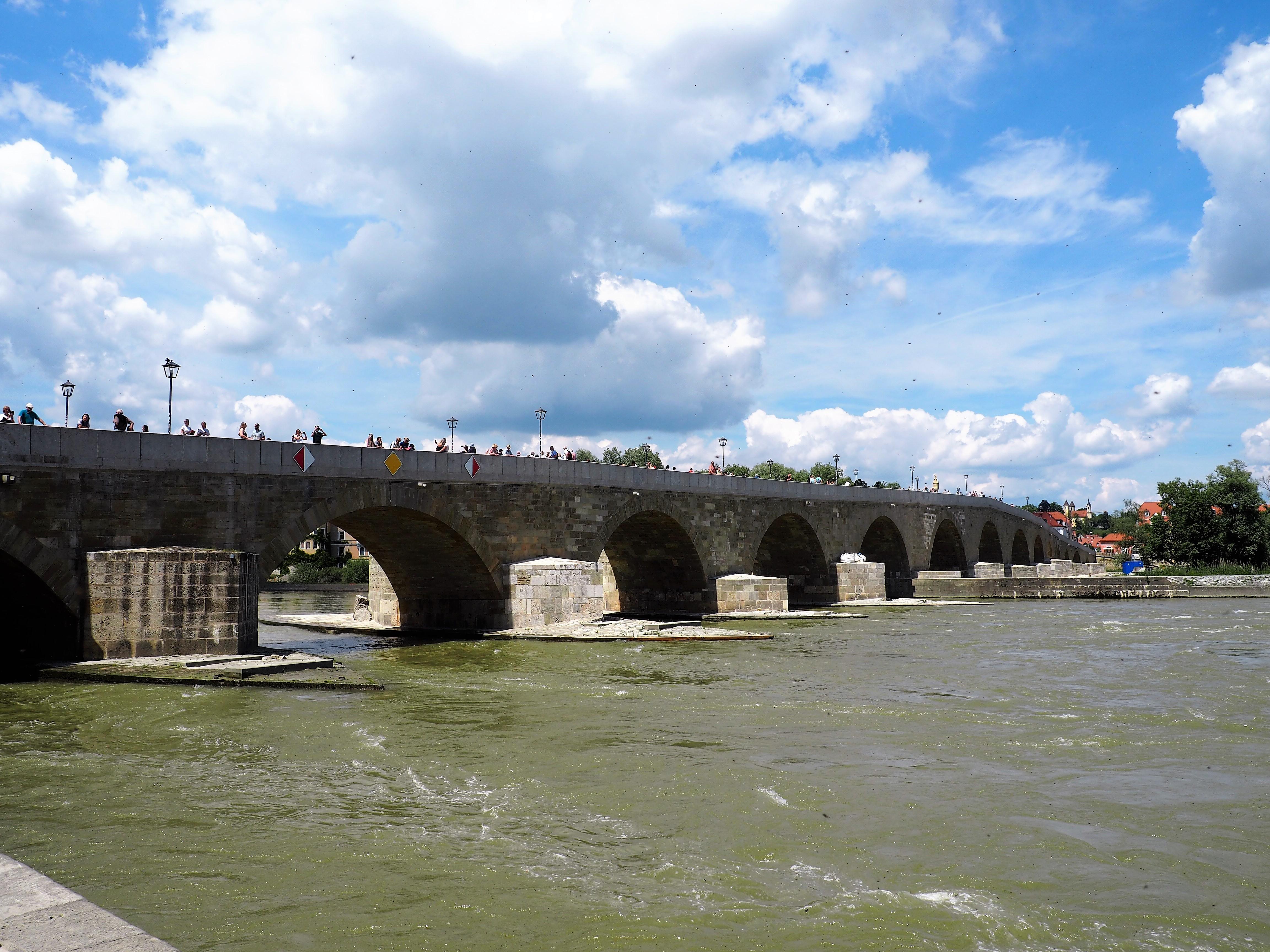 Steinerne Brücke über die Donau in Regensburg