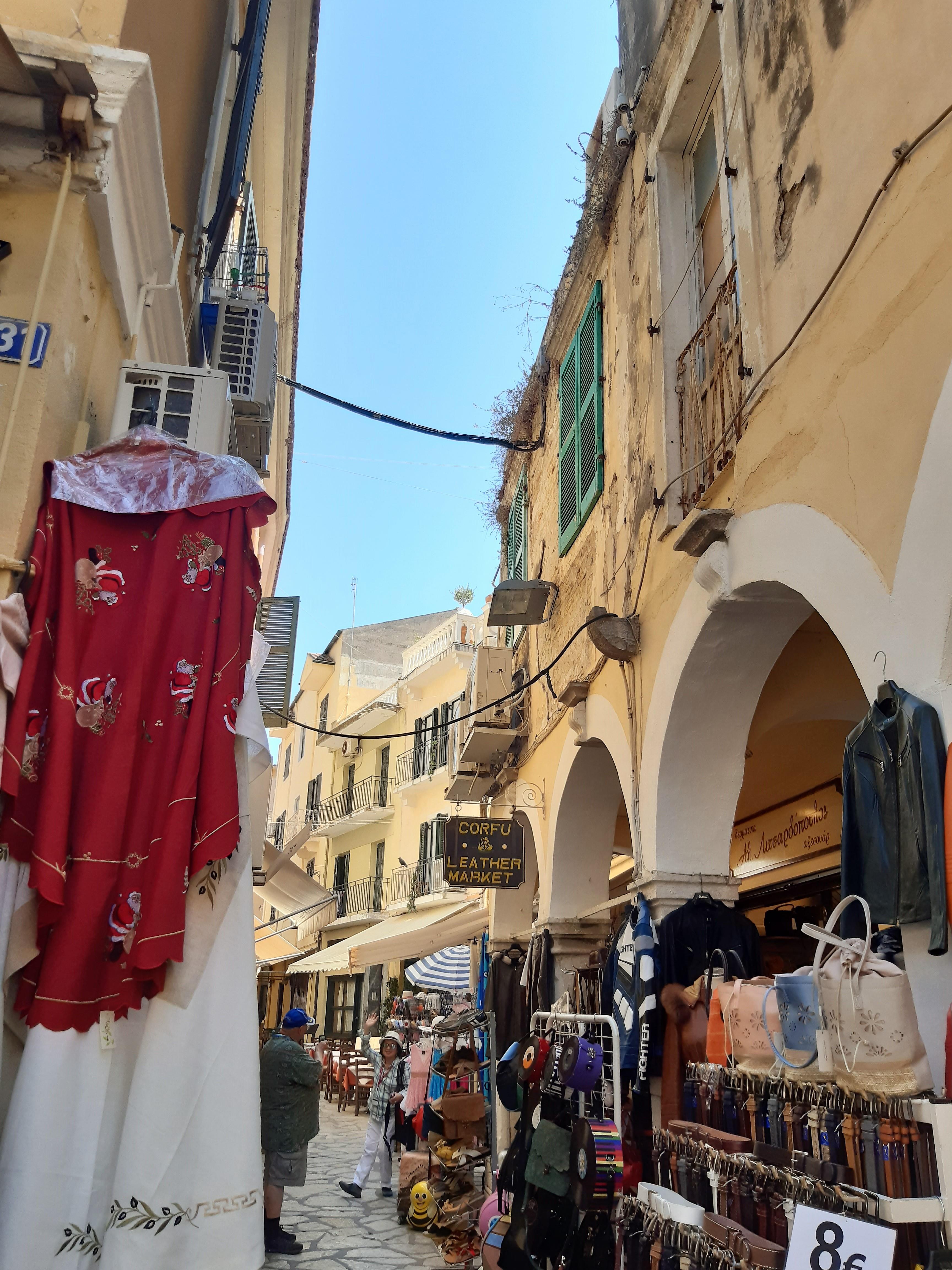 Spaziergang durch Korfu-Stadt während unserer Kreuzfahrt durch die Adria