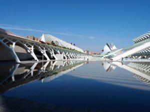 Futuristische Gebäude in der Stadt der Künste und Wissenschaften in Valencia