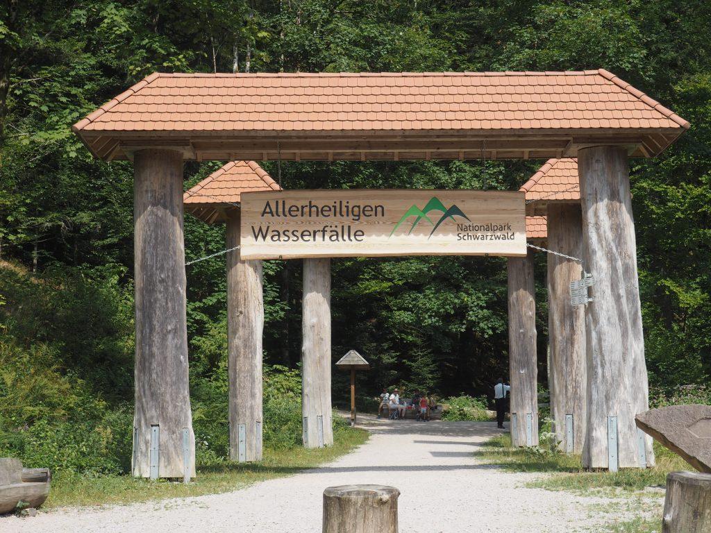 Eingangstor im Nationalpark Schwarzwald zu den Allerheiligen Wasserfälle