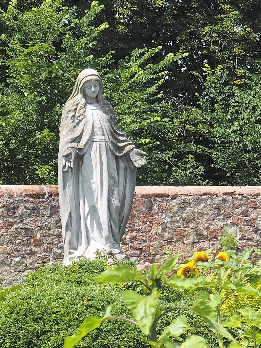 Impressionen vom Klostergarten Kloster Frauenberg Fulda