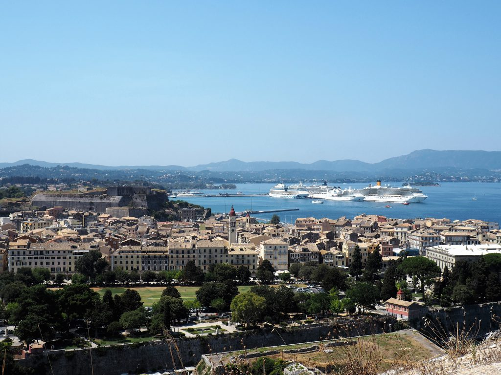 Kreuzfahrthafen Korfu-Stadt,