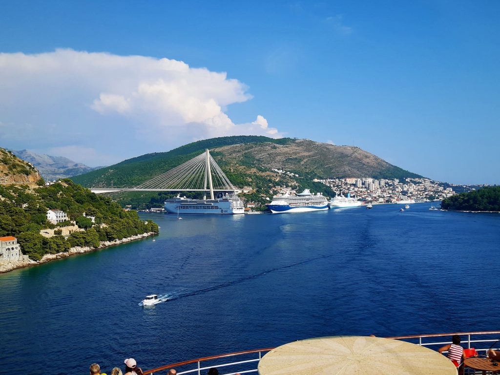 Ausfahrt aus dem Hafen von Dubrovnik Kreuzfahrt